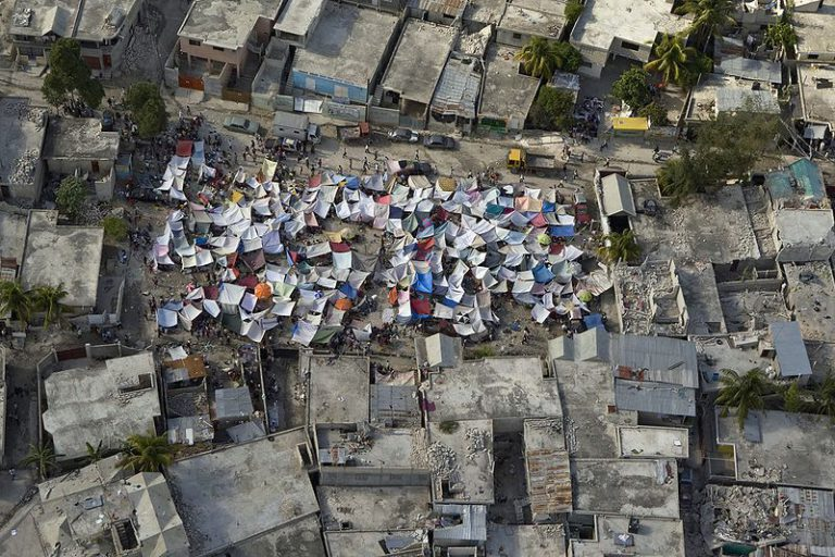 800px-haiti_earthquake_aftermath_tent_city